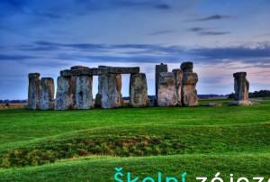 Školní zájezd na Stonehenge